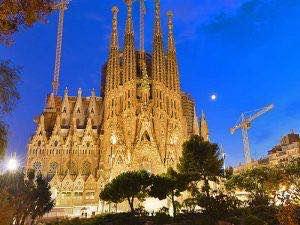 Βαρκελώνη-Ισπανία-εκδρομή-diontours.com