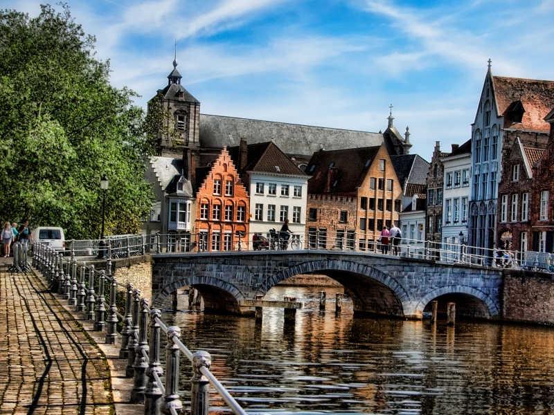 Μπρυζ-Βέλγιο-εκδρομή-diontours.com